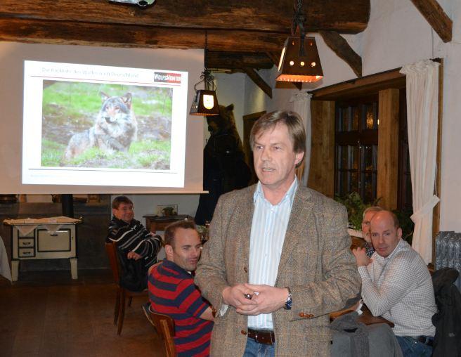 """Wolfsmonitor-Vortrag bei den """"Wildwochen"""" im Tierpark Nordhorn am 3.11.2016 (Foto: Thomas Hennig)"""
